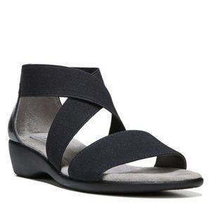 LIFESTRIDE Tellie sandals